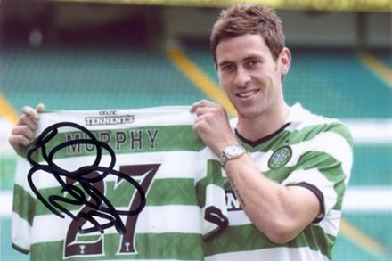 Daryl Murphy, Glasgow Celtic, signed 6x4 inch photo.